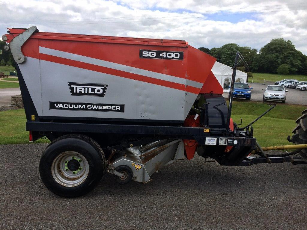 Trilo SG400 Vacuum Sweeper For Sale